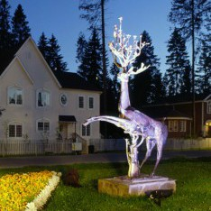 Скульптура Олень в поселке Николино
