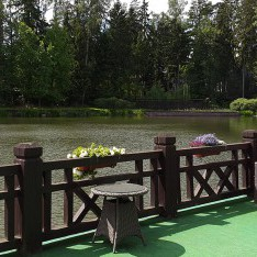 Столики у озера, поселок Николино